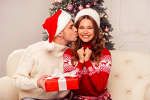 What to give her for Christmas: Alone for Christmas? Its not to late.