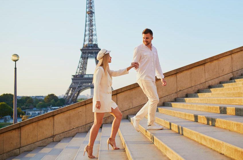 Happy couple near the Eiffel tower