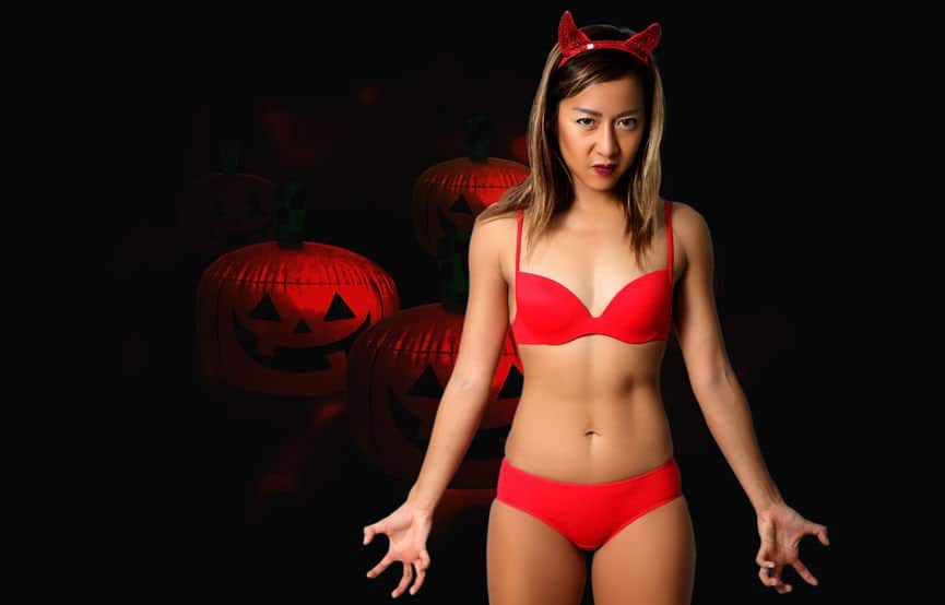 Which Female Sexy Halloween Costume is More Likely to Get You Laid?