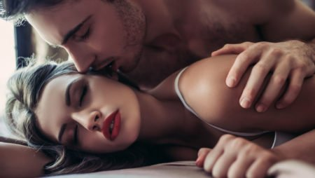 5 Easy Things That Can Spice Up A Regular Hook Up